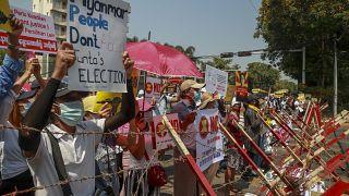 شاهد: استمرار المظاهرات في ميانمار ضد الانقلاب العسكري
