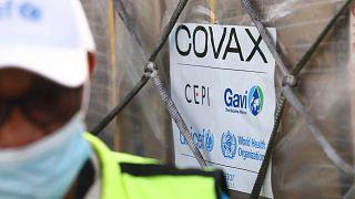 Première livraison mondiale des vaccins covax au Ghana