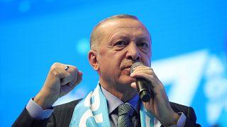 Cumhurbaşkanı ve AK Parti Genel Başkanı Recep Tayyip Erdoğan, Sinan Erdem Spor Salonu'nda düzenlenen AK Parti İstanbul 7. Olağan İl Kongresi'ne katılarak konuşma yaptı