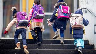 Kinder in Frankfurt dürfen zurück in die Grundschule