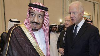 Suudi Arabistan Kralı Selman bin Abdülaziz ABD Başkanı Joe Biden (arşiv)