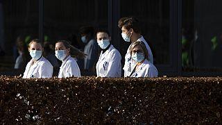 Sie blicken auf die Demo von medizinischem Personal in Belgien