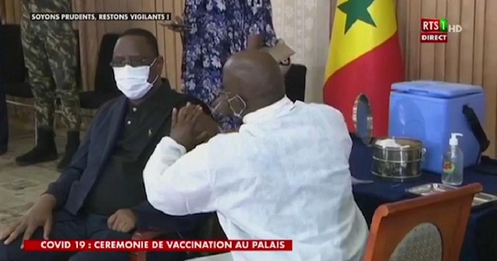 Senegalese president personally kicks off vaccine campaign