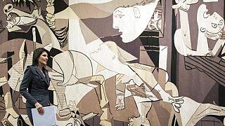 Picasso'nun 'Guernica'sı 36 yıl sonra BM Güvenlik Konseyi duvarından indirildi