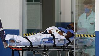 Ασθενής με συμπτώματα COVID-19 εισάγεται σε νοσοκομείο της Βραζιλίας