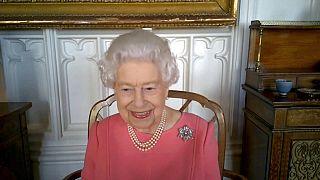 Η Βασίλισσα Ελισάβετ στη τηλεδιάσκεψη με υγειονομικούς αξιωματούχους