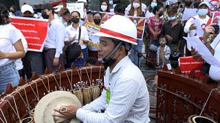 Myanmar protest with folk song