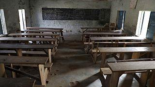 Nijerya'da okula saldırı: 300'den fazla kız öğrenci kaçırıldı