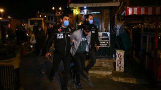 Kadıköy'de Boğaziçi Üniversitesindeki gösterilere destek için toplanan 93 kişi gözaltına alındı