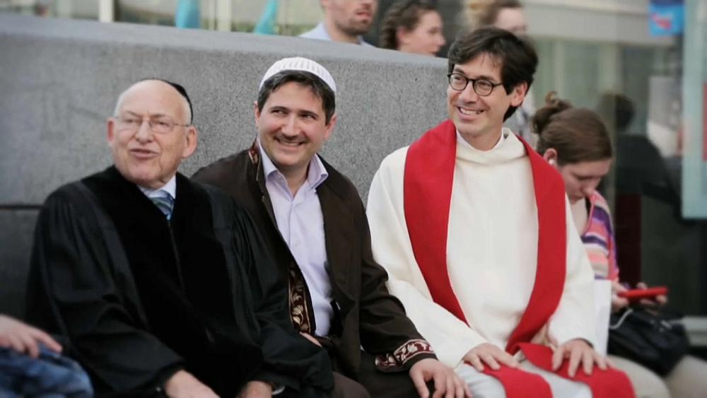 Három vallás, ugyanabban az épületben Berlinben