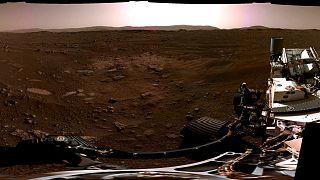 بانوراما لفوهة جيزيرو على سطح المريخ