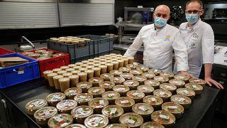 Fransa'da öğrencilere bedava yemek kampanyasına katılan iki restoran şefi