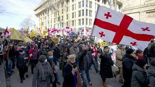 Oposição toma conta das ruas de Tiblíssi