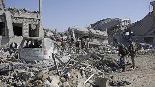 تخریب منطقه مسکونی در یمن در پی بمبارانهای ائتلاف تحت رهبری سعودی
