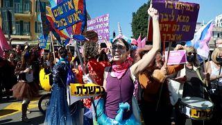 Einige feiern doch Purim - und protestieren gegen Netanjahu