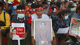 Myanmar'daki darbe karşıtı gösterilerde ölü sayısı 7'ye yükseldi.