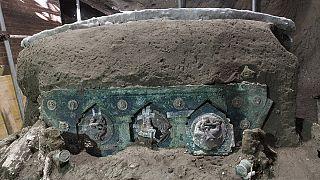 Pompeii antik kentinde ortaya çıkarılan seramoni aracı