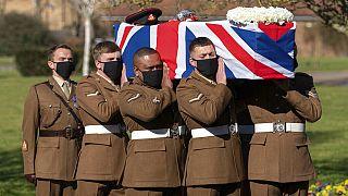 """شاهد: وداع أخير للبطل البريطاني """"الكابتن توم"""" في مراسم وطنية"""