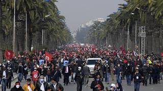 Tunisians protest amid political standoff