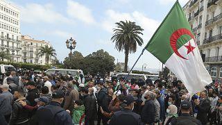 مظاهرات في الجزائر للمطالبة بالديمقراطية