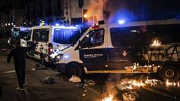 Pablo Hasél: Barcelona rocked by violent clashes 11 days after rapper's arrest