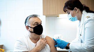 Orbán Viktor megkapja a koronavírus elleni oltást
