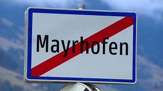 Ortsausgangsschild von Mayrhofen, Tirol