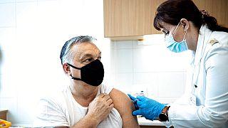 """Viktor Orbán anunciou nas redes sociais: """"estou vacinado!"""""""