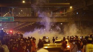 صدامات بين متظاهرين والشرطة بتايلاند