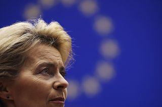 """La Commissione europea lancia il """"passaporto verde"""" per i vaccinati: ma con quali libertà?"""