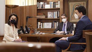 Ο πρωθυπουργός Κυριάκος Μητσοτάκης συμμετείχε σε τηλεδιάσκεψη με αντικείμενο τη δωρεά 18 φορητών κλινών Μονάδας Εντατικής Θεραπείας από την Επιτροπή «Ελλάδα 2021»