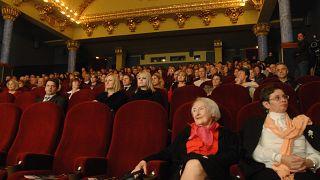 Fenyvessy Éva, a film egyetlen élő színésze (j2) az első magyar hangosfilm, a Hyppolit, a lakáj digitalizált változatának bemutatóján a Puskin Moziban 2008. december 17-én