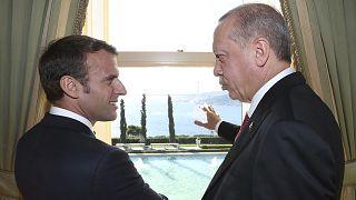 Fransa Cumhurbaşkanı Emmanuel Macron, Türkiye Cumhurbaşkanı Recep Tayyip Erdoğan