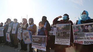 Uygur Türklerinin, Çin'in İstanbul Başkonsolosluğu önündeki eylemi üçüncü ayında