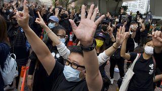 Manifestação à porta do tribunal