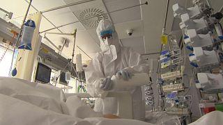 Kampf gegen hohe Todeszahlen: Zu Besuch in einer Intensivstation in der Slowakei