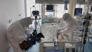 Az Euronews egy szlovákiai kórház Covid-intenzívosztályán forgatott