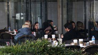 Вновь открытое кафе в Стамбуле