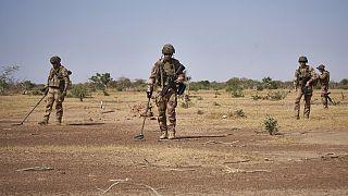 Burkina Faso : une ambulance saute sur une mine, bilan de quatre morts
