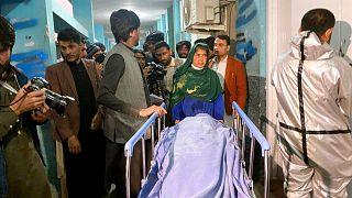 انتقال جسد یکی از زنان کشته شده در شرق افغانستان