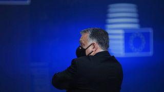 Ungarns Ministerpräsident Viktor Orban verlässt einen EU-Gipfels in Brüssel, 11.12.2020
