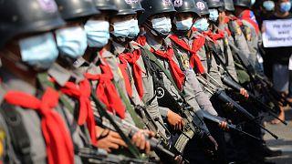 پلیس ضد شورش میانمار