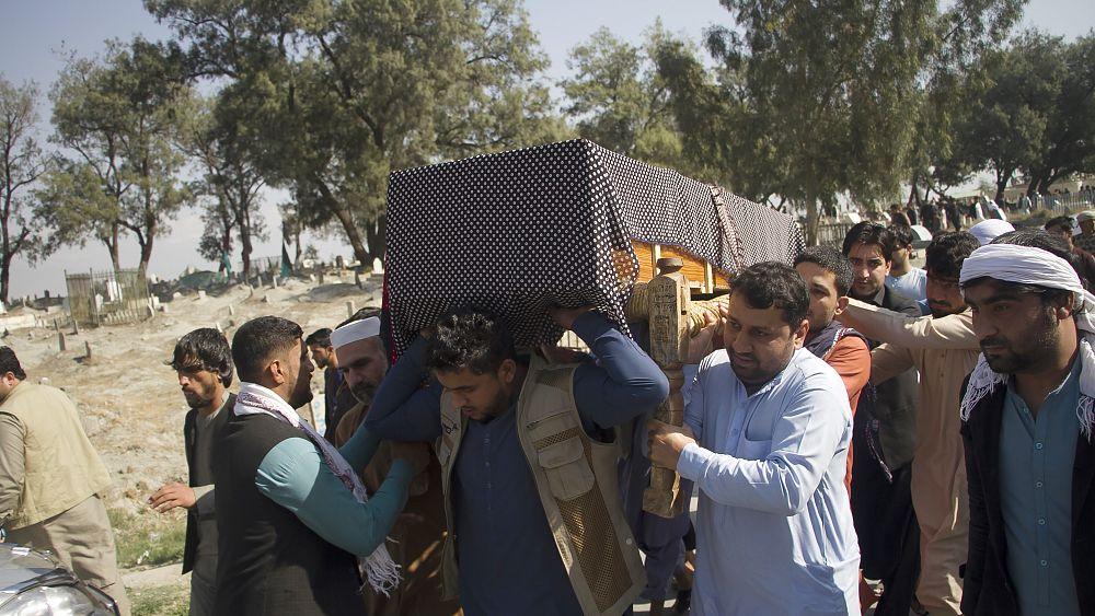 Afghanistan ancora in lutto: gli accordi di pace sempre più incerti