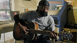 Mississippi Bluesman keeps the aging music alive