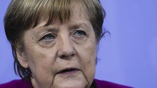 Corona-Treffen: Merkel berät sich mit Länderspitzen