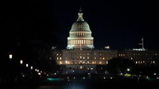 ABD Temsilciler Meclisi, polis şiddeti nedeniyle hayatını kaybeden George Floyd'un adıyla anılan polis yasası reformunu kabul etti.