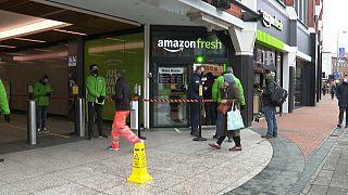 """Il negozio """"Amazon Fresh"""" di Londra."""