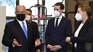 Netanjahu, Kurz und Frederiksen im Fitness-Studio in Israel