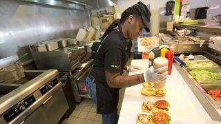 صورة من الارشيف- مطعم  افونتوريا، فلوريدا، الولايات المتحدة الأمريكية