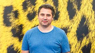 """Romanian director Radu Jude poses during a photocall for the film """"Inimi cicatrizate"""" at the 69th Locarno International Film Festival, Sunday, Aug. 7, 2016, in Locarno"""